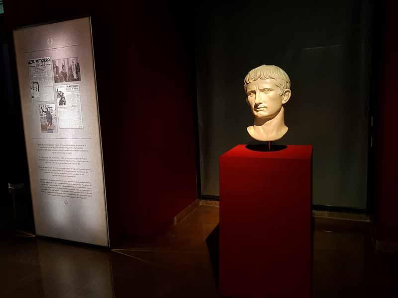 Busto de Cesar Augusto del Teatro Romano de Zaragoza