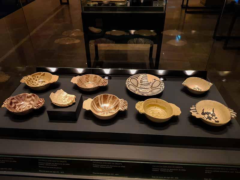 Cerámicas expuestas en el museo del Teatro Romano de Caesaraugusta - Zaragoza