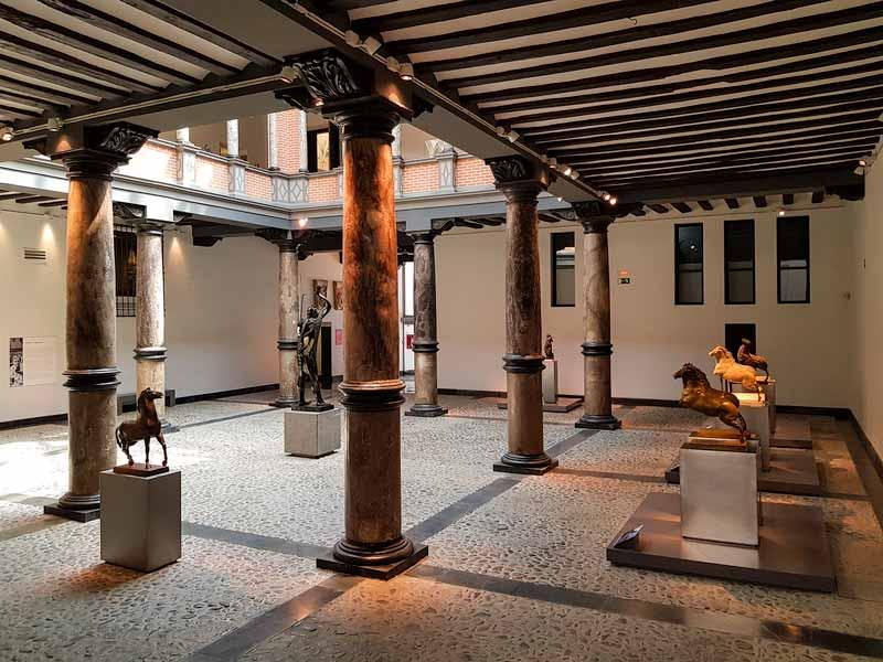 Patio renacentista del Museo Pablo Gargallo