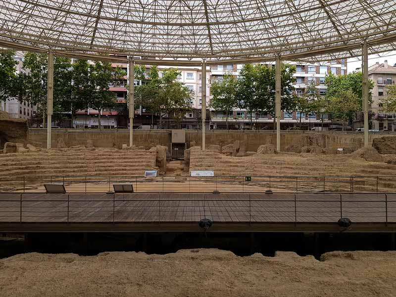 Vistas de los restos del Teatro Romano de Zaragoza desde la planta sótano