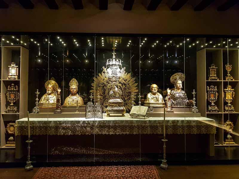 Sala 11: El altar de la Eucaristía - Alma Mater Museum - Zaragoza