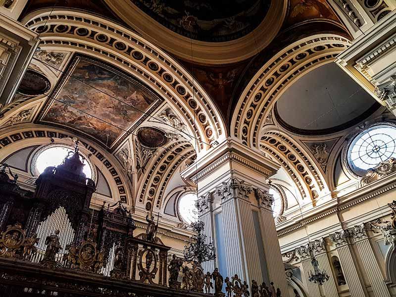 Órgano y frescos de la Basílica