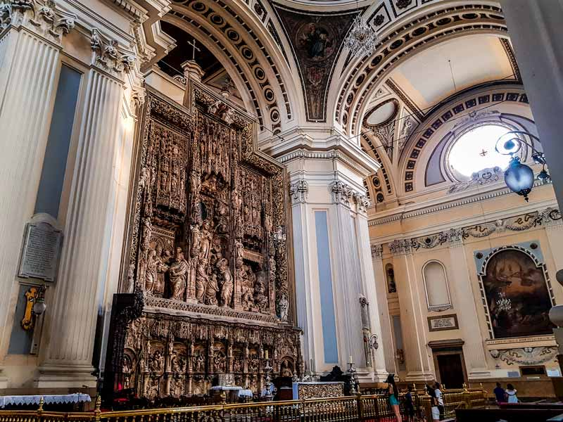 Altar y retablo mayor