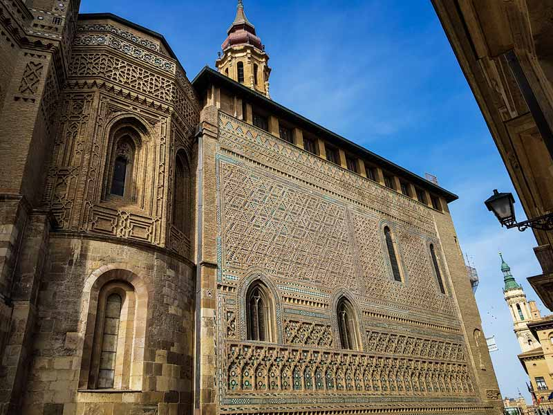 Muro mudéjar de la Catedral de la Seo de Zaragoza