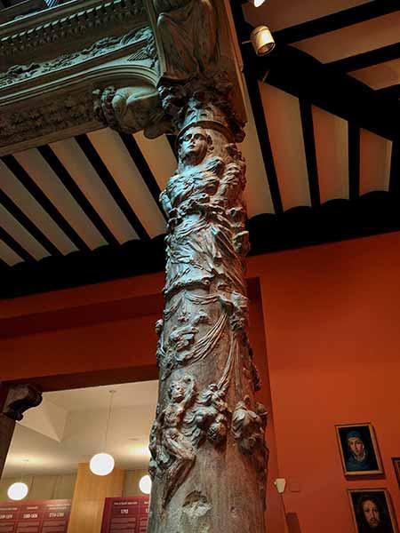 Detalle de columna del Patio de la Infanta - Zaragoza