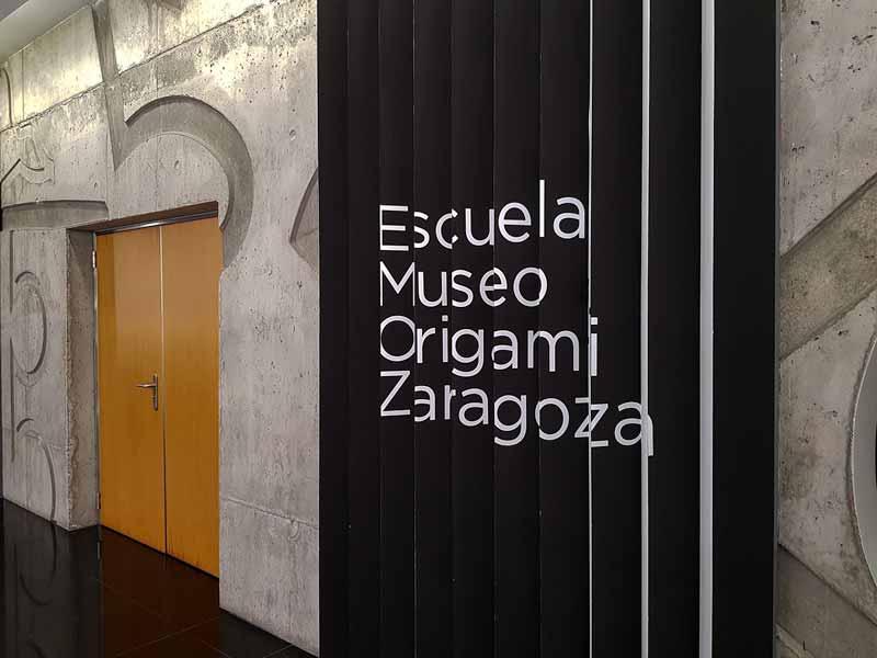 Letrero del Museo del Origami de Zaragoza