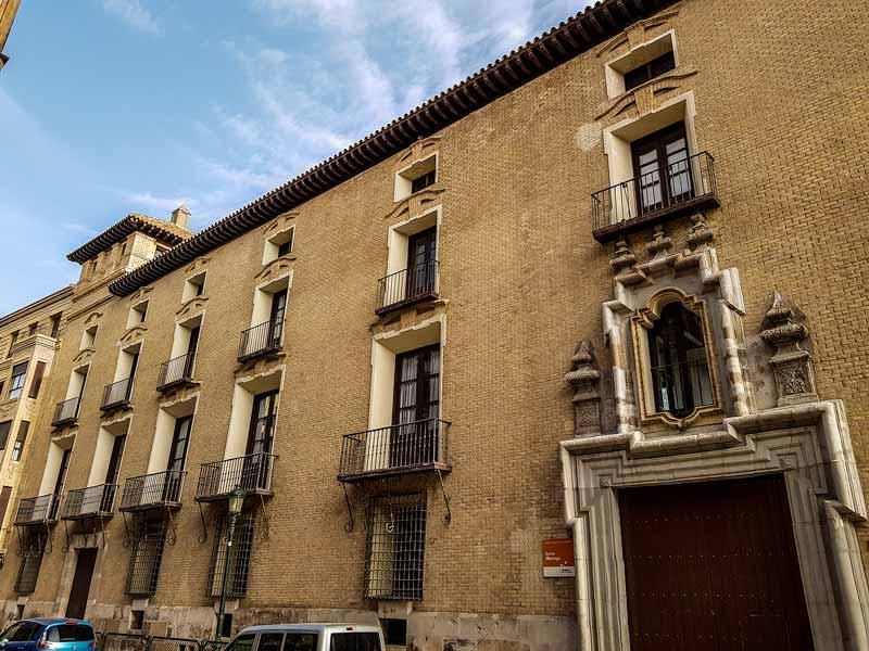 Fachada del Palacio de Villahermosa de Zaragoza