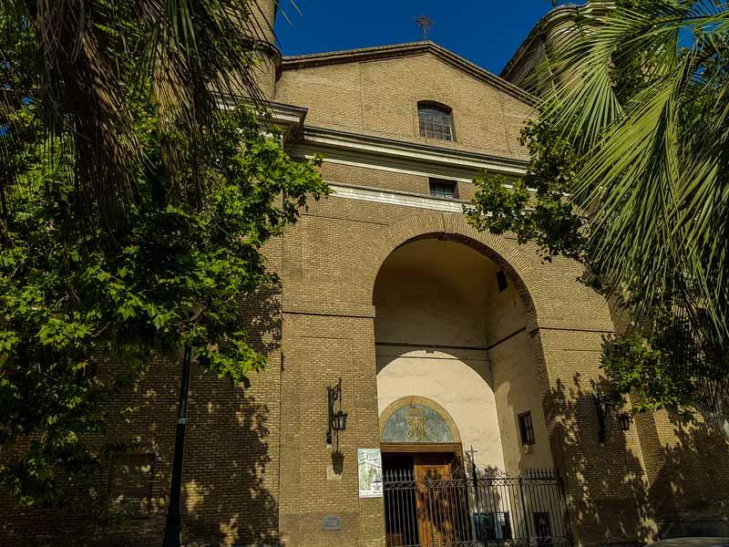 Puerta de acceso a la Iglesia de Nuestra señora del Portillo