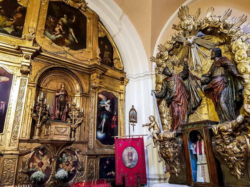 Retablo de capilla secundaria de la iglesia de San Felipe
