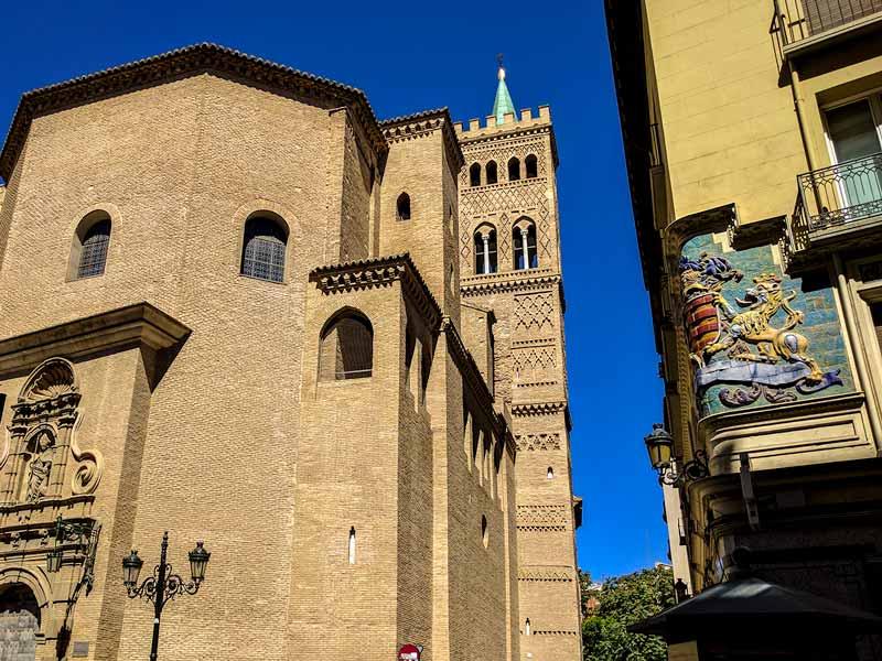 Iglesia San Gil Abad desde calle Don Jaime