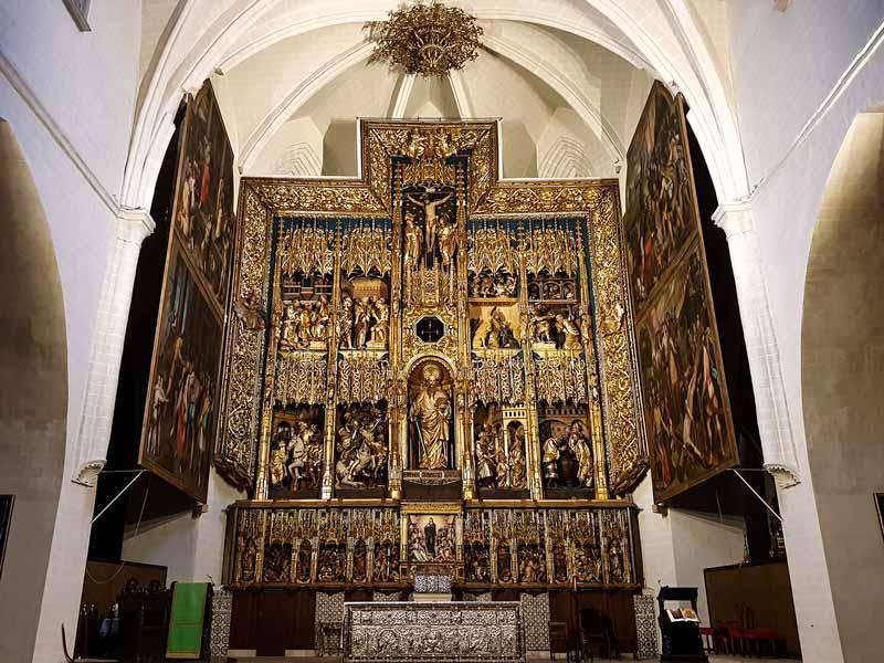 Retablo mayor con puertas de la iglesia de San Pablo - Zaragoza