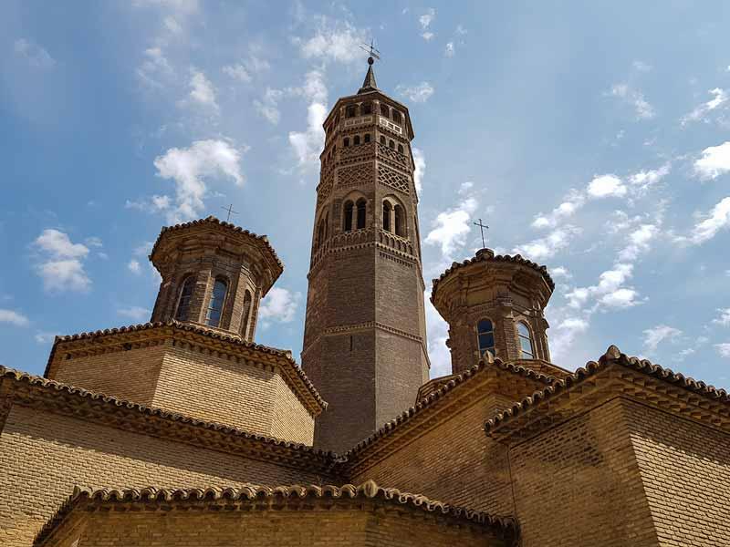 Torre mudéjar y linternas de la iglesia de San Pablo de Zaragoza
