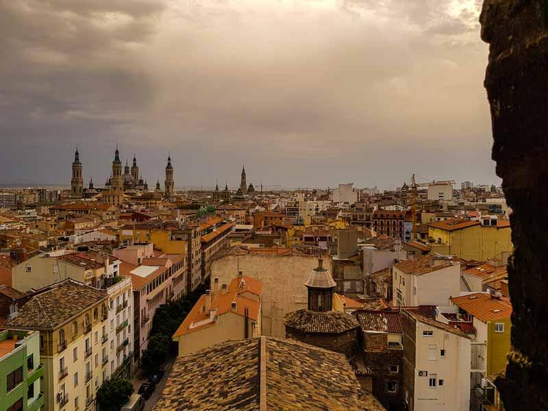 Vistas de Zaragoza desde lo alto de la torre mudéjar.