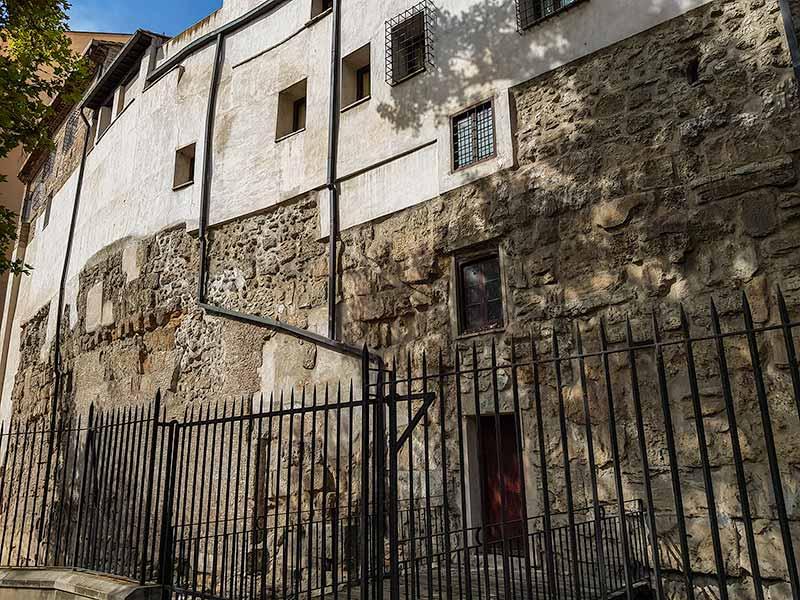 Muralla romana y monasterio de la Resurrección - Zaragoza