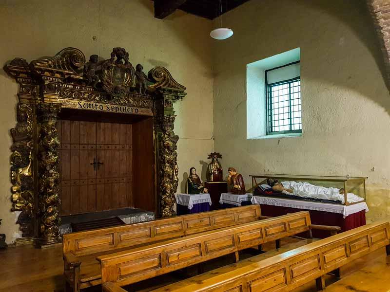 Puerta barroca de la iglesia del Santo Sepulcro - Zaragoza