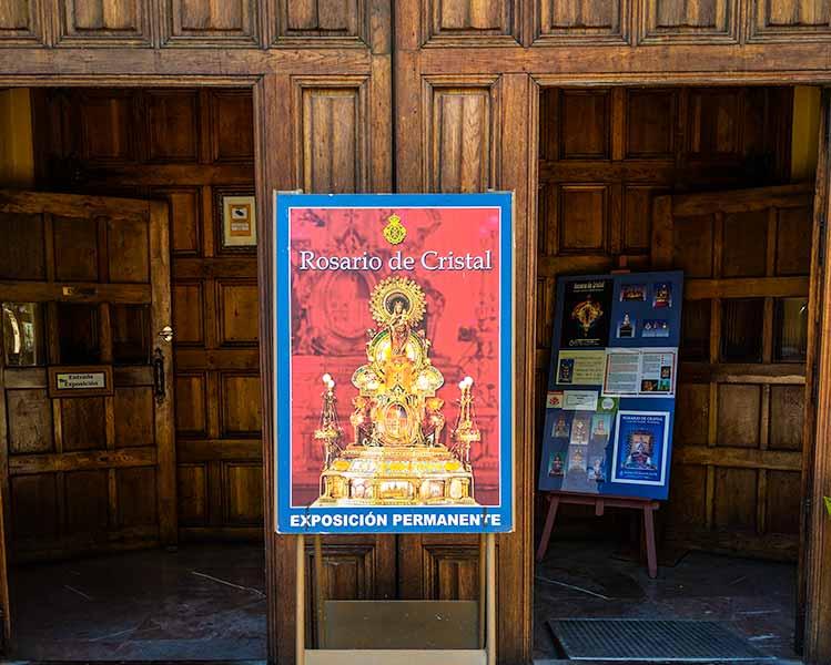 Entrada del museo de los Faroles y del Rosario de Cristal de Zaragoza