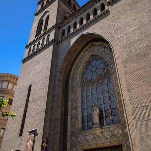 Iglesia del Sagrado Corazón de Zaragoza - Museo de los Faroles y del Rosario de Cristal