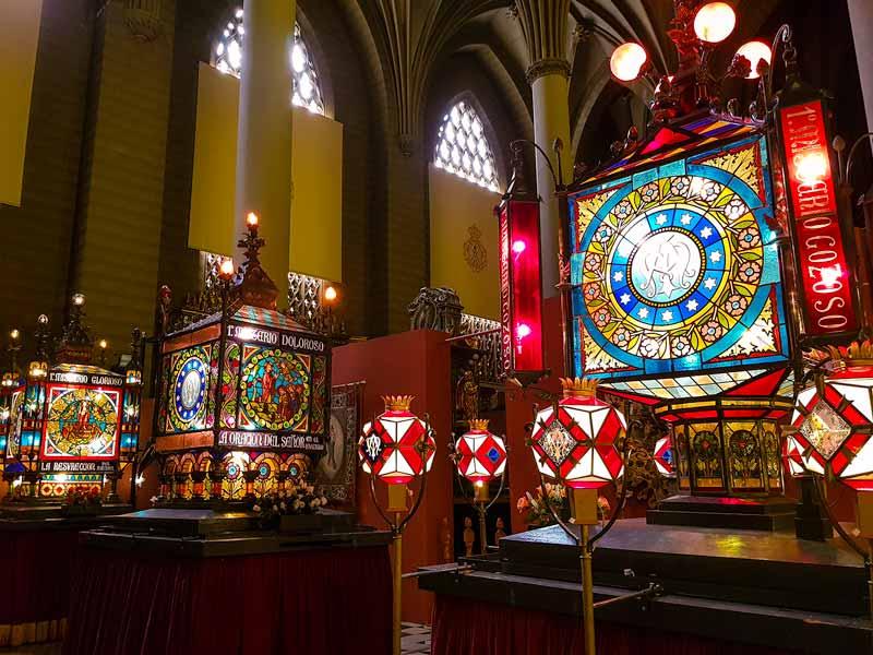 Misterios Gozosos, Dolorosos y Gloriosos del museo de los faroles y rosario de cristal