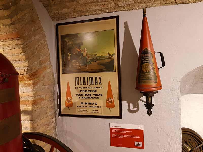 Extintor antiguo marca minimax