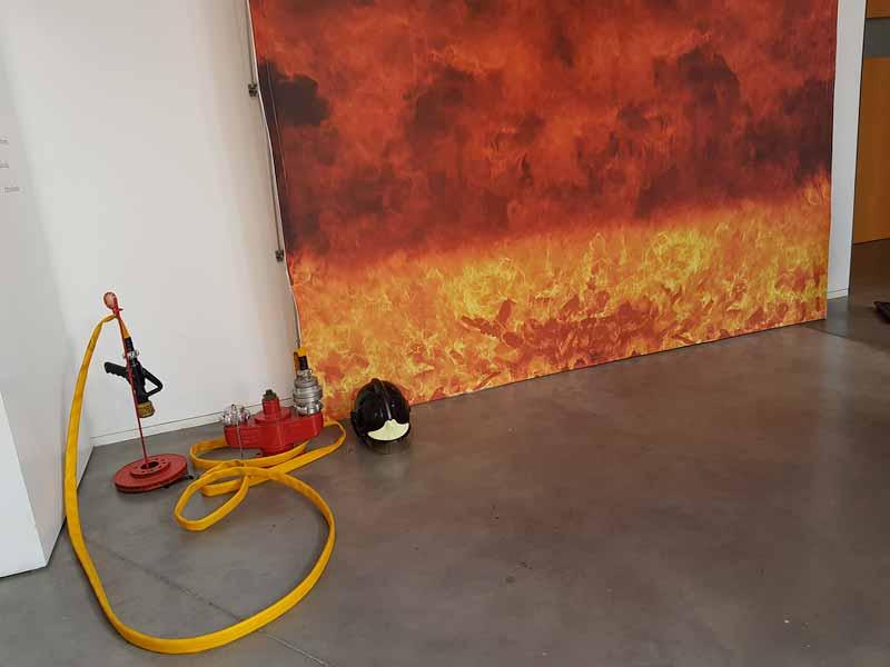 Manguera del photocall del museo del Fuego y los Bomberos de Zaragoza
