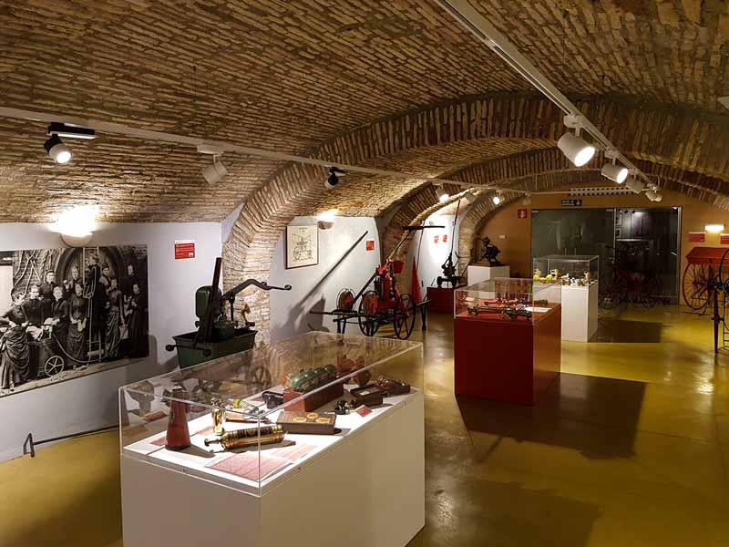 Vista general de la sala de la extinción del Museo del Fuego y de los Bomberos de Zaragoza