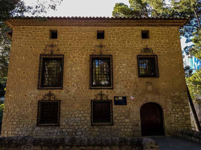 Entrada Casa de Albarracín del museo de Zaragoza