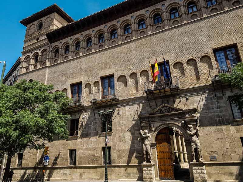 Fachada del Palacio de los Condes de Morata