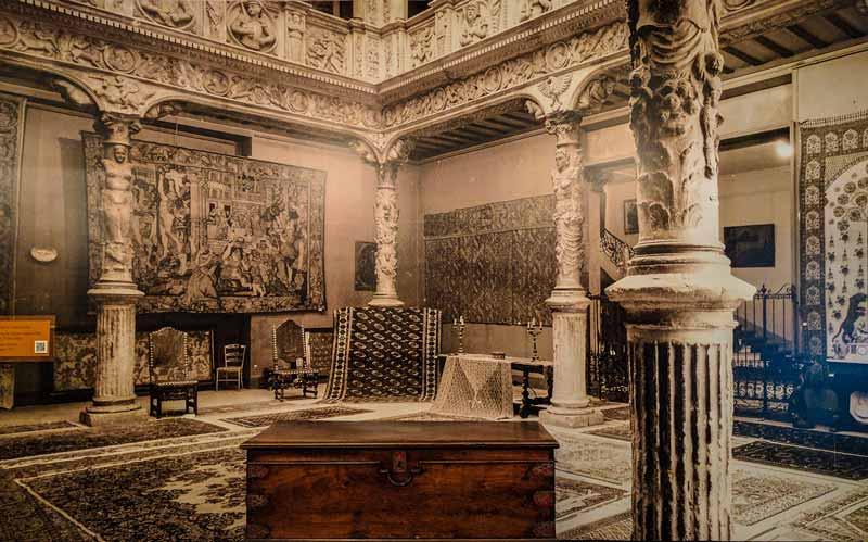 Fotografía del Patio de la Infanta en París
