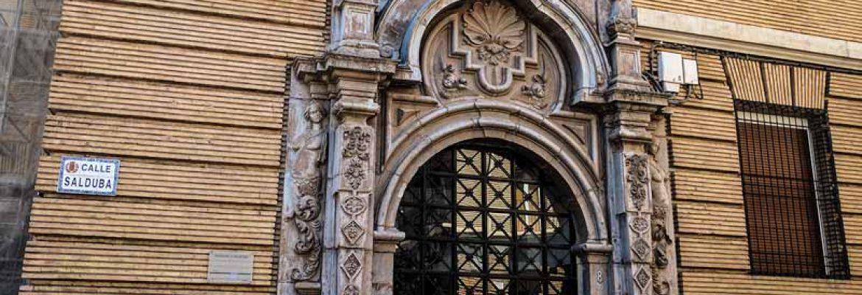 Puerta del Palacio de los Sora