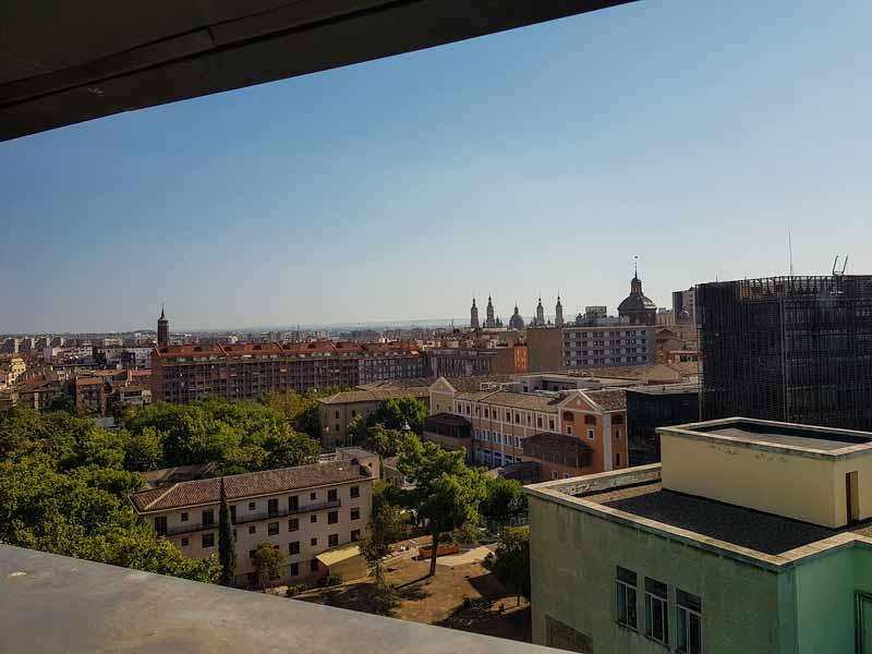 Vistas de Zaragoza desde la ventana de la planta 4 del museo Pablo Serrano