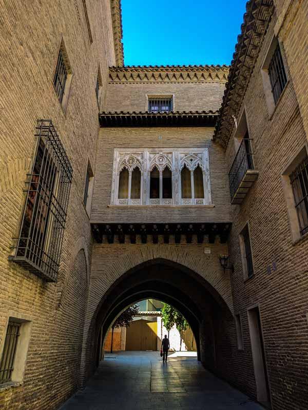Arco del Dean de Zaragoza