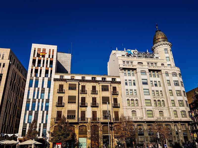 Fachada del edificio del Banco Zaragozano