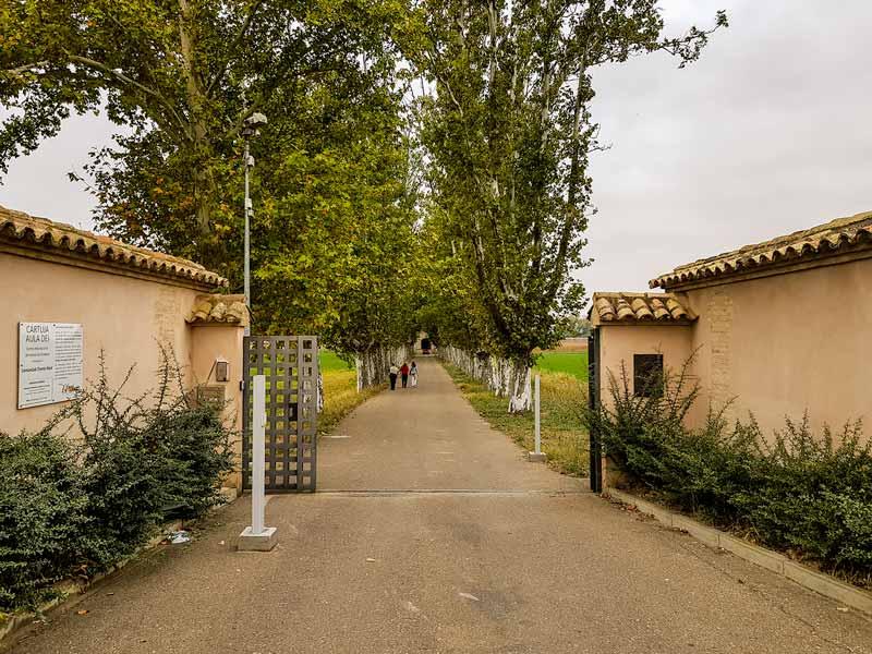 Acceso al recinto de la Cartuja del Aula Dei - Zaragoza