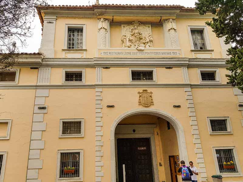 Edificio de entrada a la Cartuja del Aula Dei - Zaragoza
