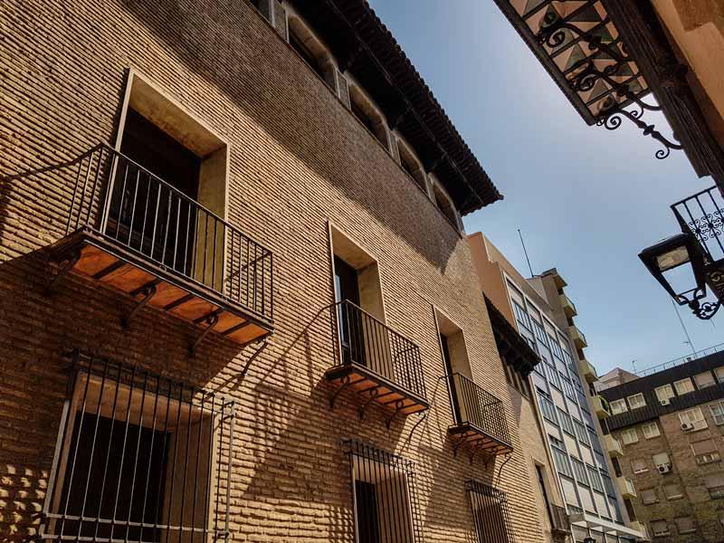 Fachada de la Casa de los Torrero de Zaragoza