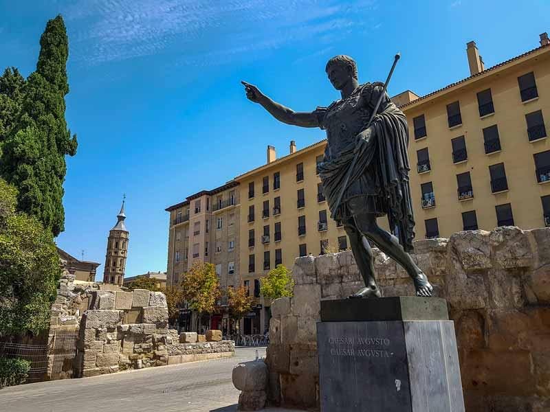 Estatua de Cesar Augusto - Zaragoza