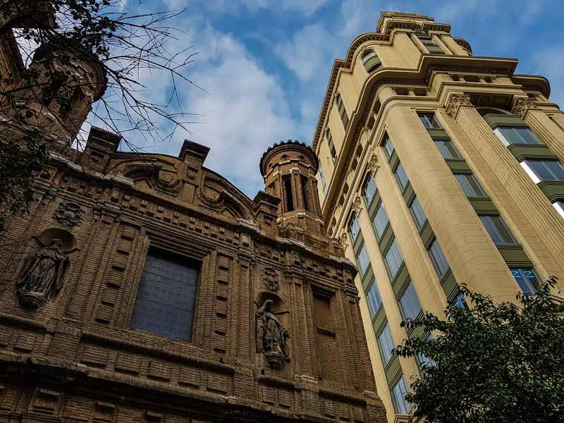 Iglesia de la Mantería y Edificio La Adriática