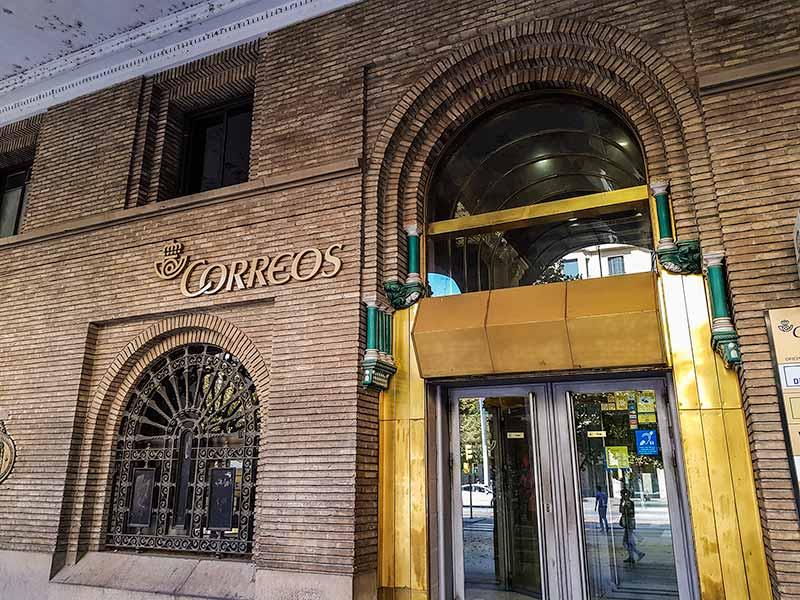 Entrada de Correos y Telégrafos de Zaragoza