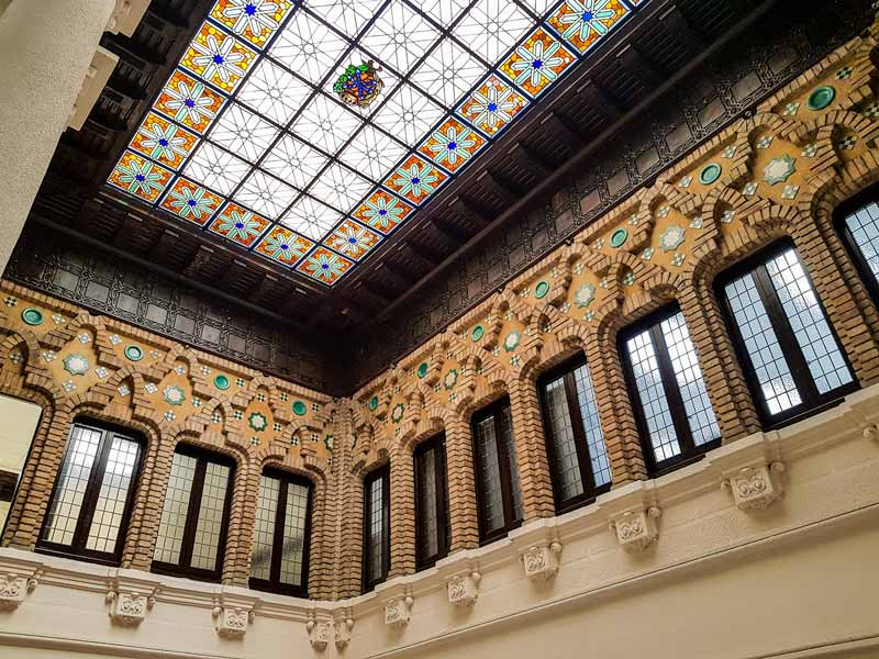 Lucernario del interior del edificio de Correos y Telégrafos de Zaragoza