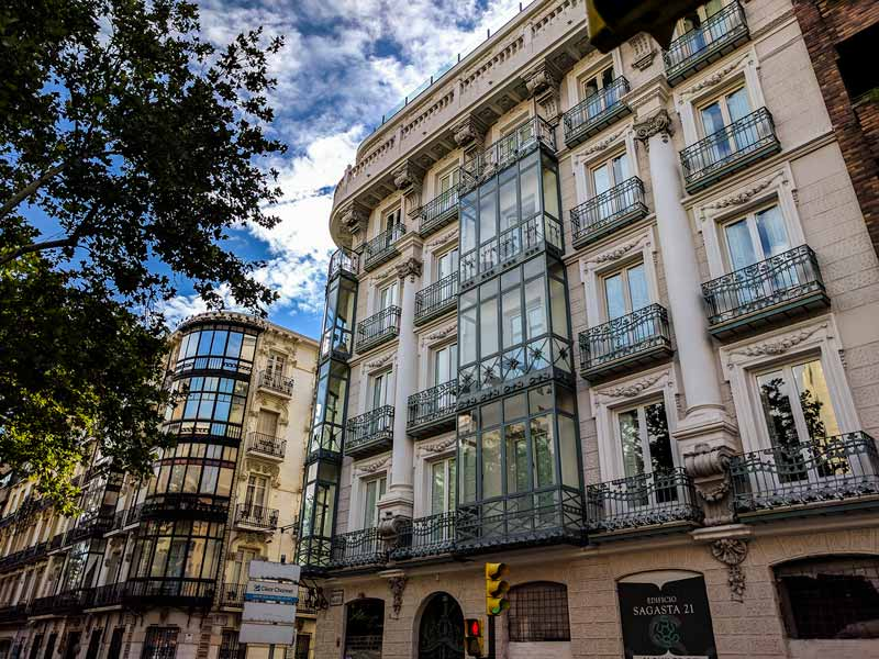 Fachada del edificio de Sagasta 21 de Zaragoza