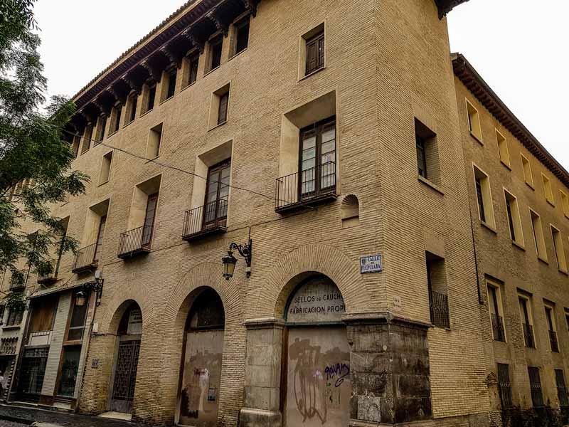 Fachada del Palacio renacentista de Fuenclara