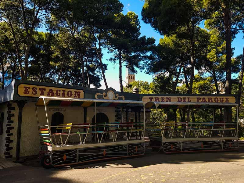 Estación del tren del parque grande Labordeta de Zaragoza