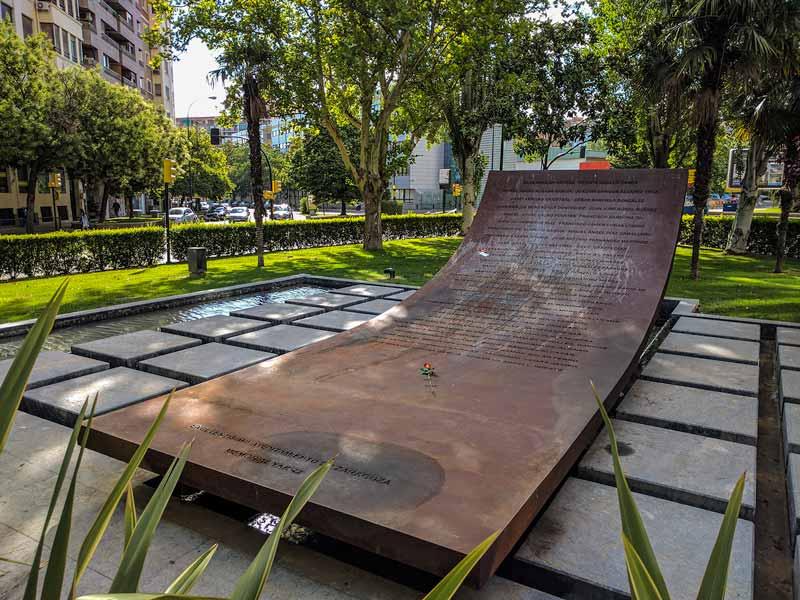 Memorial a las victimas del YAK-42