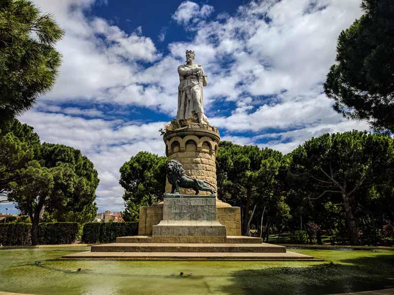 Vista del conjunto monumental de Alfonso I el Batallador