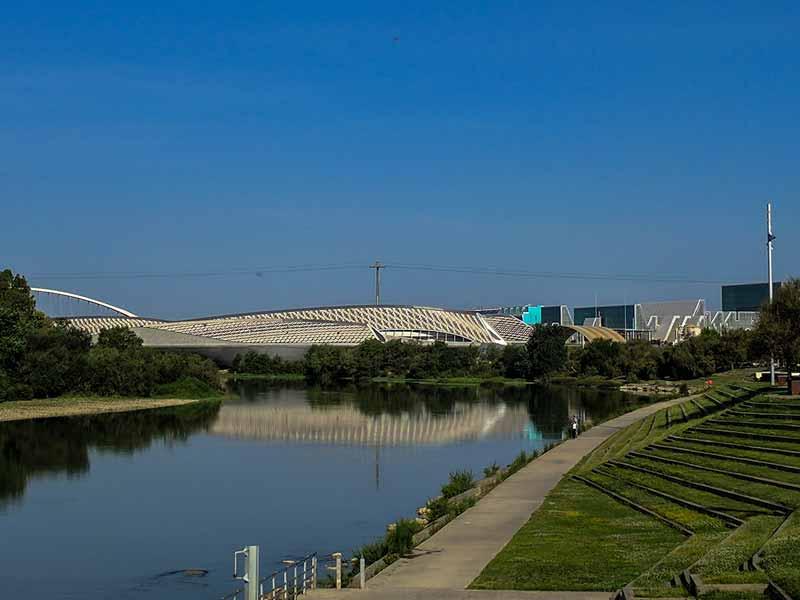 Vista del Pabellón Puente y su entorno