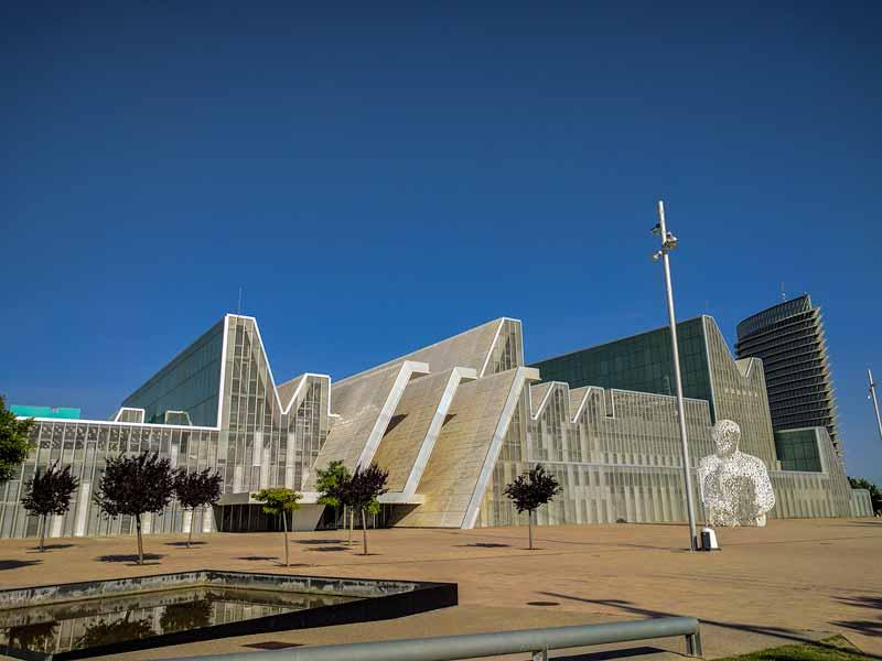 Fachada del Palacio de Congresos de Zaragoza