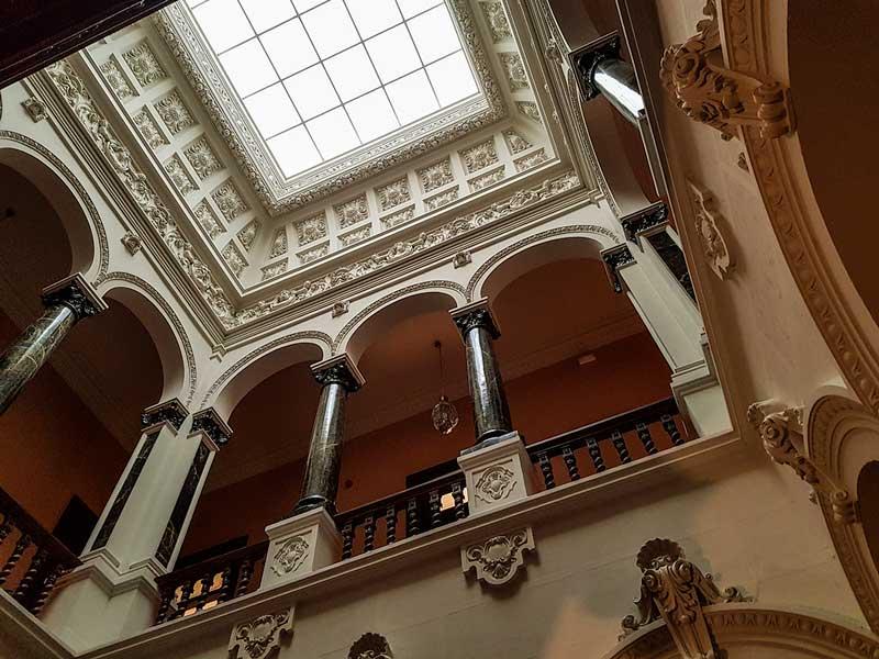 Escaleras del Palacio de Larrinaga