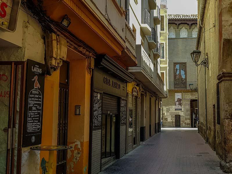 Calle Santa Cruz - Zaragoza