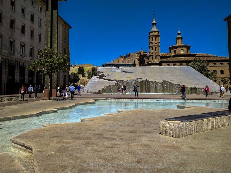 Fuente de la Hispanidad - Plaza del Pilar - Zaragoza
