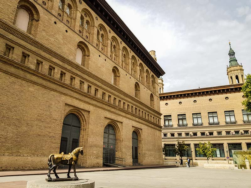 La Lonja y Ayuntamiento - Zaragoza